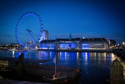 From the Westminster Bridge, a vision in Blue