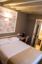 Nice Color Scheme - Hotel Saint Louis Bastille