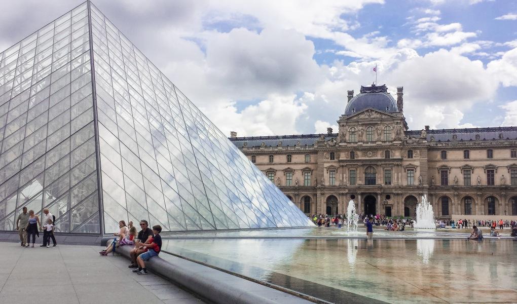 Cour Napolean, Louvre Museum, Paris