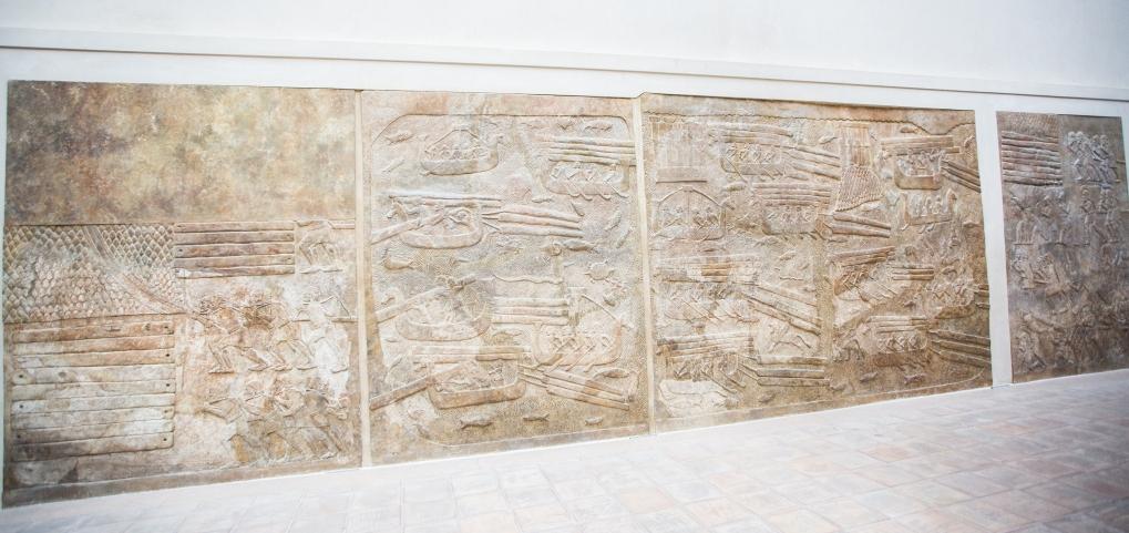 Assyria, King Sargon II, Cour Khorsabad